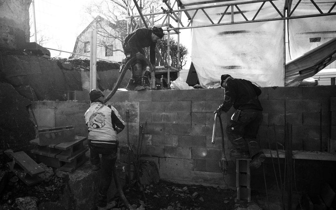 Trångt i villaområde, vi pumpar betong